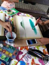 festés közben